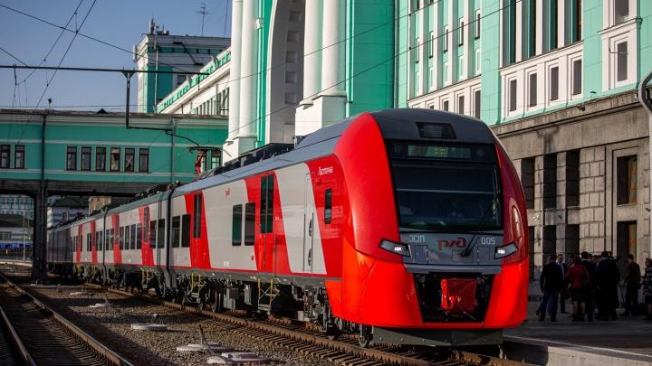 «Ласточка» из будущего: 15 фото из самой современной электрички, которая приехала в Новосибирск