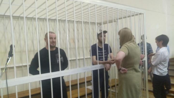 «Повесили на крюк и расчленили бензопилой»: Верховный суд РФ осудил убийц мебельщика в Волгограде
