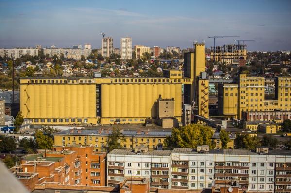 Запах краски в Октябрьском районе ощущался в начале этой недели