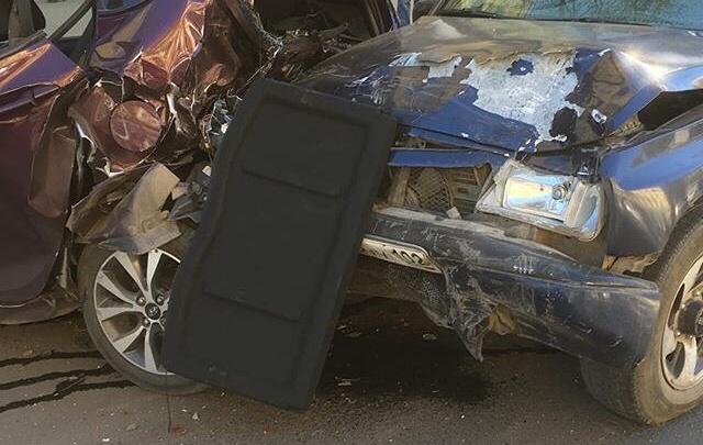 В Уфе водитель на большой скорости снес три припаркованные машины