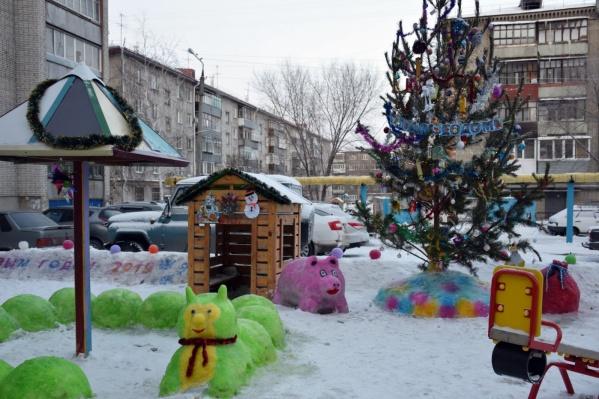 Фигуры изо льда и снега и новогодняя ёлка принесут конкурсантам дополнительные баллы