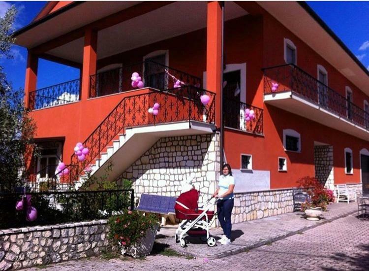 Итальянский дом семьи Ди Сальвио — первый этаж занимала семья родителей Луиджи, второй — молодая семья