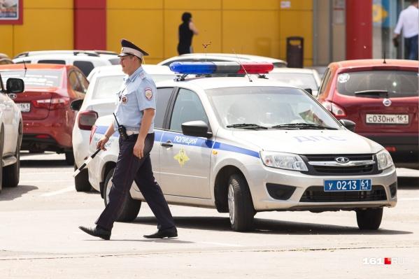 Горе-угонщиков задержали прежде, чем они продали машину на рынке