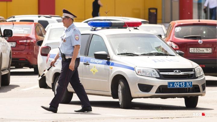 Попали в аварию на украденной машине: воров-неудачников задержали в Шахтах