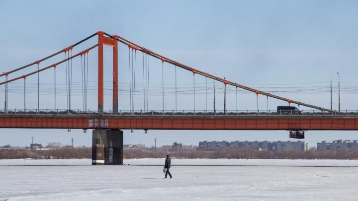 В субботу из-за фестиваля снегоходов для транспорта частично закроют набережную Северной Двины