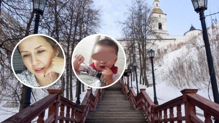 Ушла из дома четыре дня назад. В Тобольске ищут маму с двухлетним ребенком