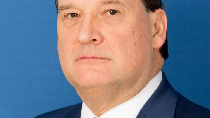 «Депутат должен получать больше врача»: член Совета Федерации заступился за красноярских депутатов