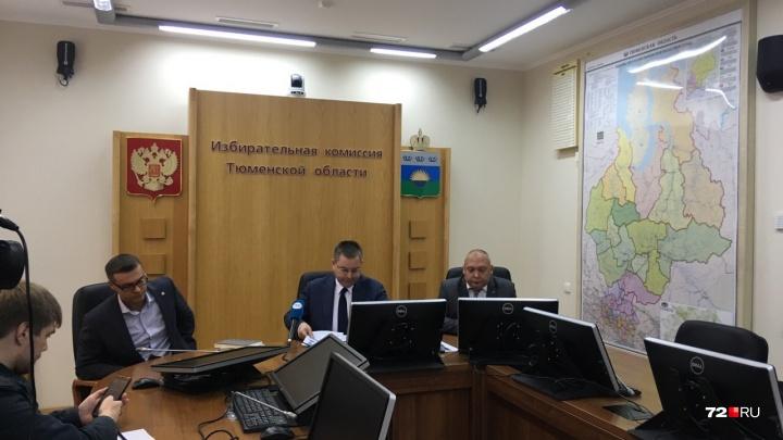 Тюменцы не торопятся на выборы. За первые часы галочки в бюллетенях поставили меньше 3% избирателей