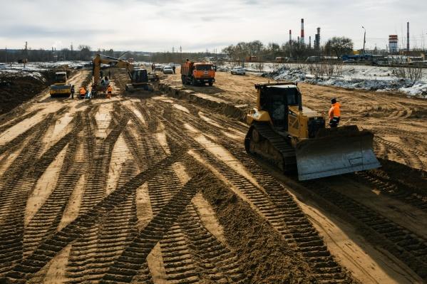 Сейчас подрядчики готовят территорию к строительству развязок