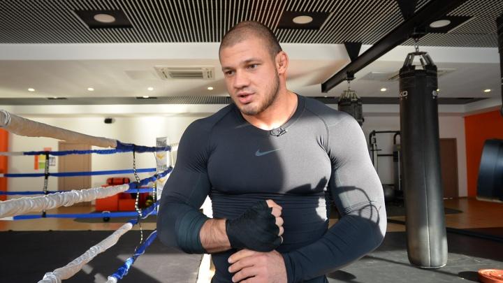 «Уральский Халк» Иван Штырков попал в больницу и отменил дебютный бой на турнире UFC