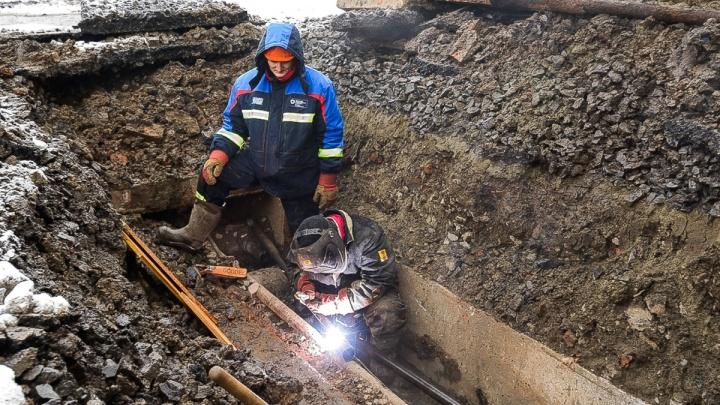 «Почти две трети теплосетей нуждаются в ремонте»: поврежденные участки начнут ремонтировать летом
