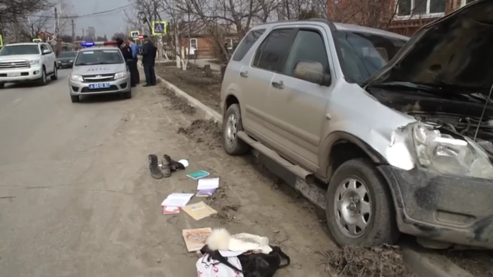 Опасный перекресток: в Батайске автомобиль сбил ребенка