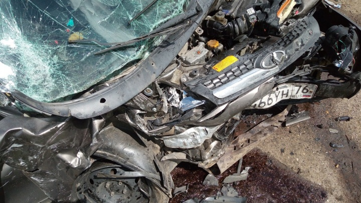 «Тачки в хлам»: в ДТП под Ярославлем пострадали люди