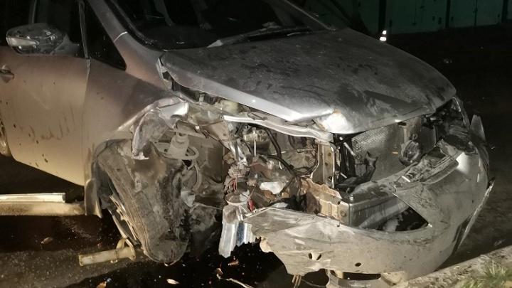 В Самарской области подросток на папиной машине врезался в столб