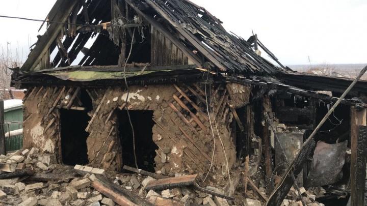 На пожаре в Волгограде погибла пожилая семейная пара