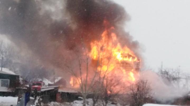 В Кургане произошел пожар в доме на улице Анфиногенова