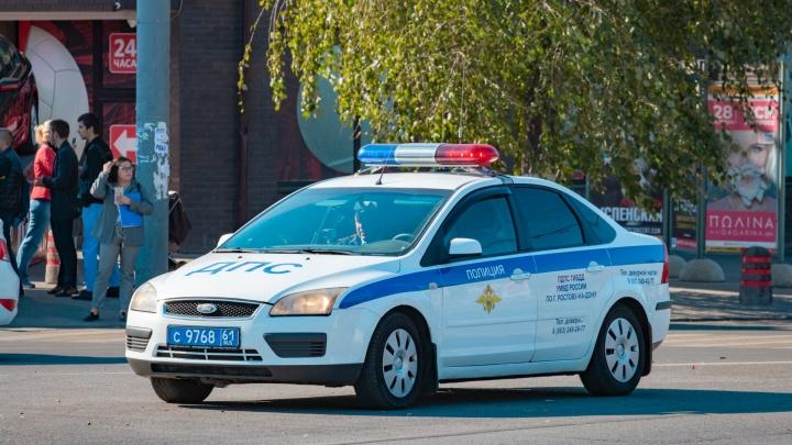 Двух девочек-подростков увезли в больницу после аварии в Ростовской области