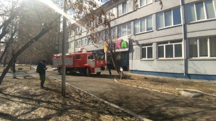 Стала известна причина пожара в школе на «Агропроме»