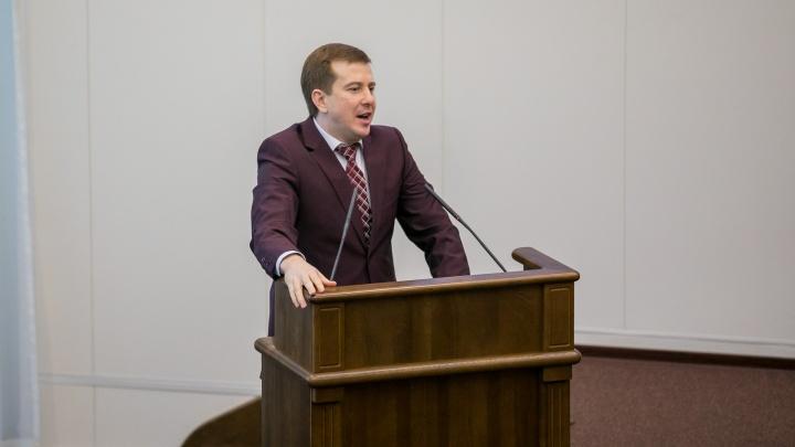 Скандальный депутат предложил списать красноярцам долги по кредитам и ЖКХ вслед за Чечней