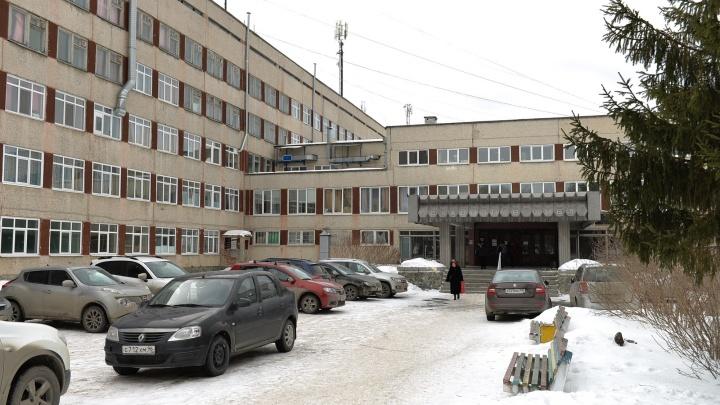 «30 лет работал на скорой и впервые такое вижу»: в Екатеринбурге в ухо ребёнку залез таракан