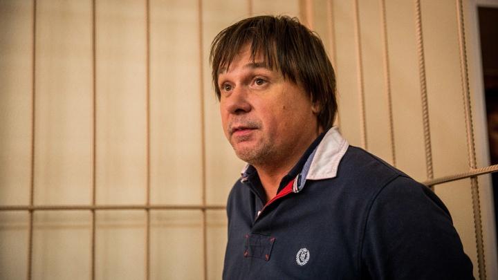 Суд оставил под домашним арестом топ-менеджера клиники Мешалкина