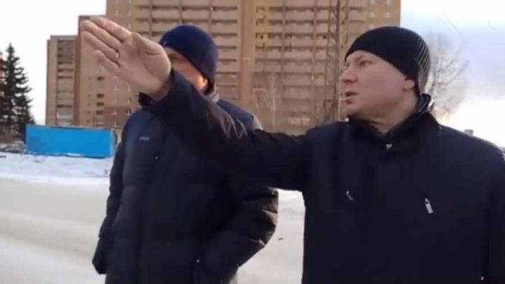 «Позорище»: новый мэр прогулялся по Студгородку и раскритиковал свалку и «колючки» вместо газонов