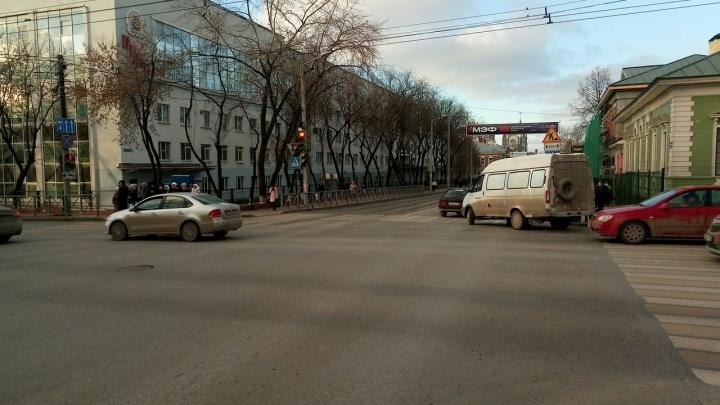 В Перми за миллион рублей выяснят, почему в центре города стоит зловонный запах