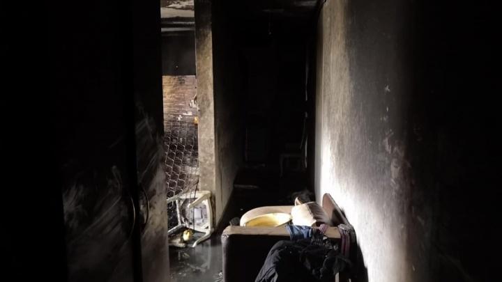 В Стерлитамаке пожарные спасли из горящей квартиры четырех человек