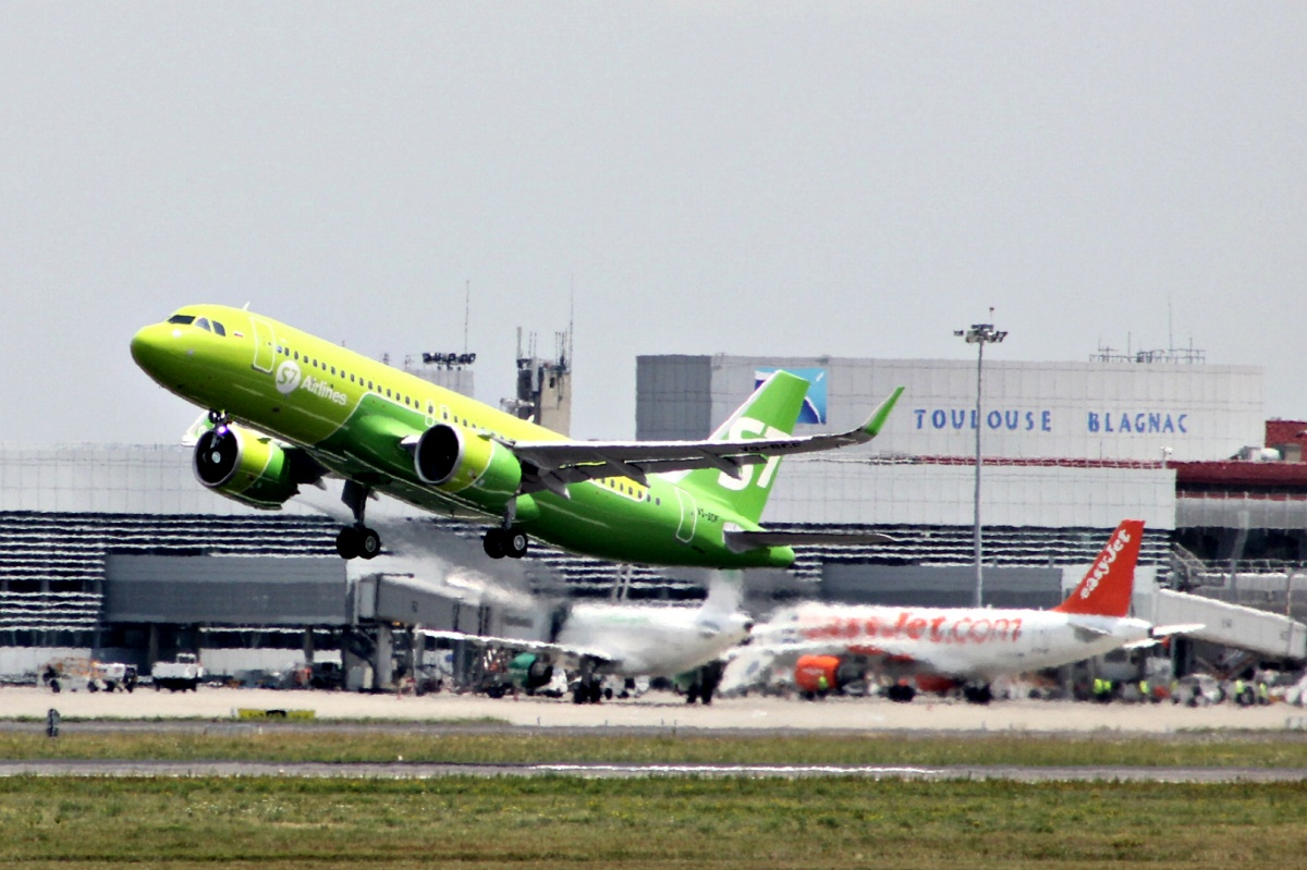 Первый A320neo российской компании на пути к новому дому