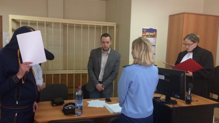 В Екатеринбурге отправили в колонию коллектора, который разбил окна брату должницы