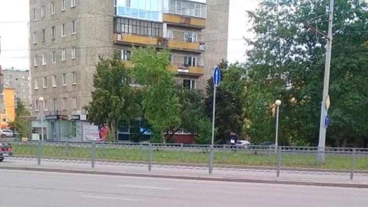 На проспекте Космонавтов после тяжелой аварии запретили левый поворот на улицу Войкова