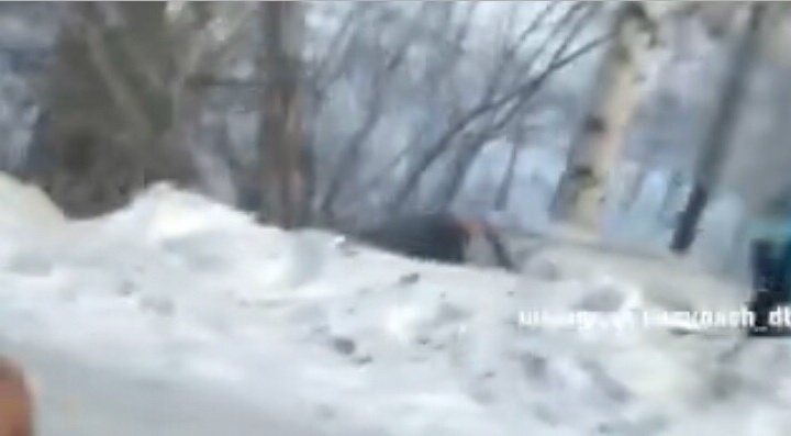В Башкирии столкнулись французская легковушка и отечественный универсал, ДТП попало на видео