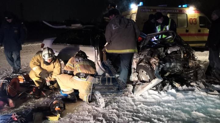 В жутком столкновении под Железногорском погиб водитель
