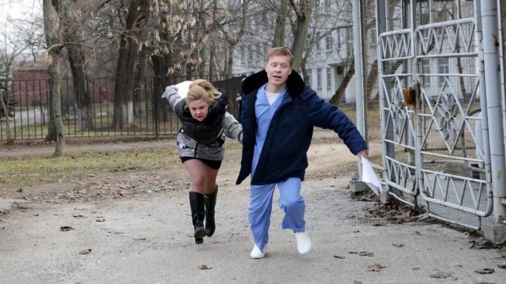 Звезда сериала «Реальные пацаны» приехал в Новосибирск на премьеру новогоднего фильма