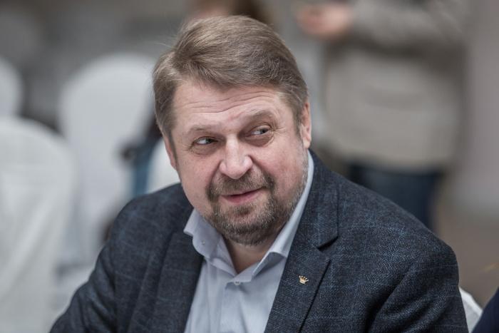 Константин Голодяев — сотрудник Музея Новосибирска. Свою третью книгу он написал после серии аудиоэкскурсий по городу