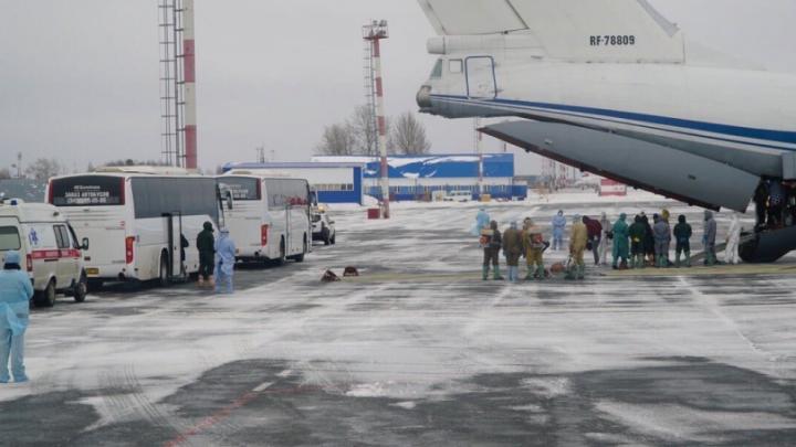Двух нижегородцев, эвакуированных из Китая, отправят домой после карантина в Тюмени
