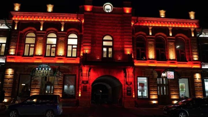 «Проспект красных фонарей»: красноярцы предложили переименовать Мира из-за новой подсветки