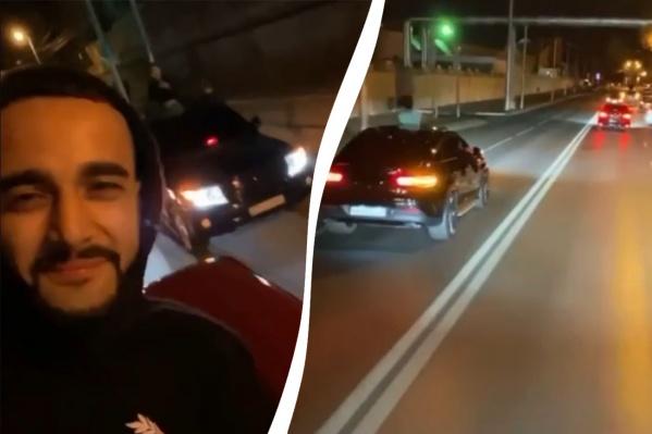Звезда соцсетей рассекала по городу, сидя на капоте машины