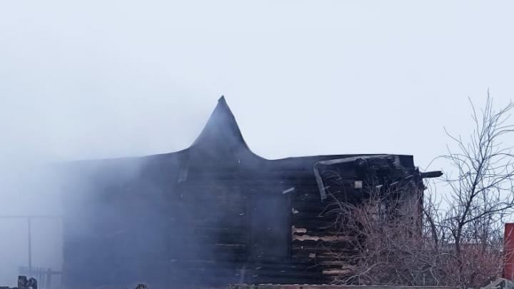 В Башкирии в крупном пожаре погиб мужчина