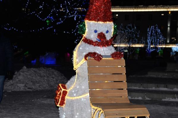 Фигура снеговика восстановлена, с ней вновь можно фотографироваться