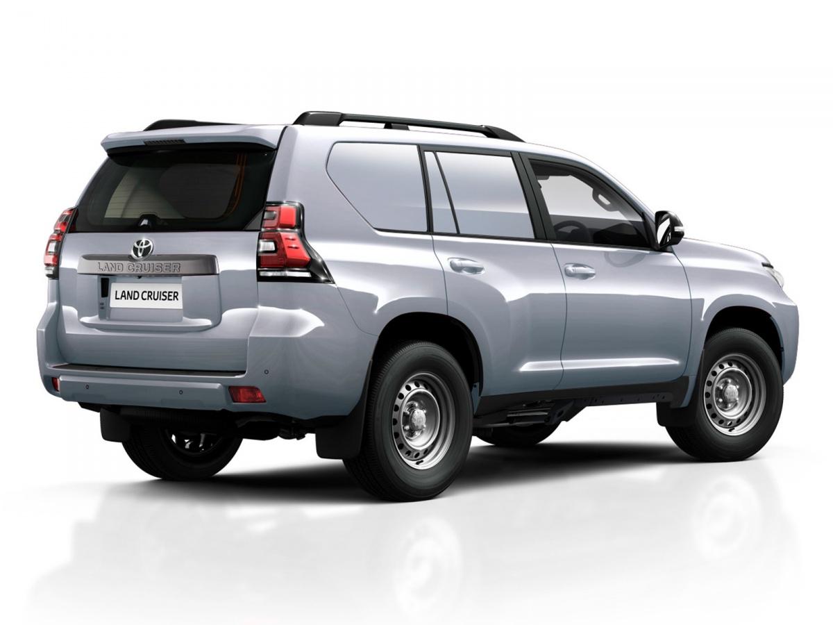 Тойота сделала из Прадо грузовик с заколоченными окнами
