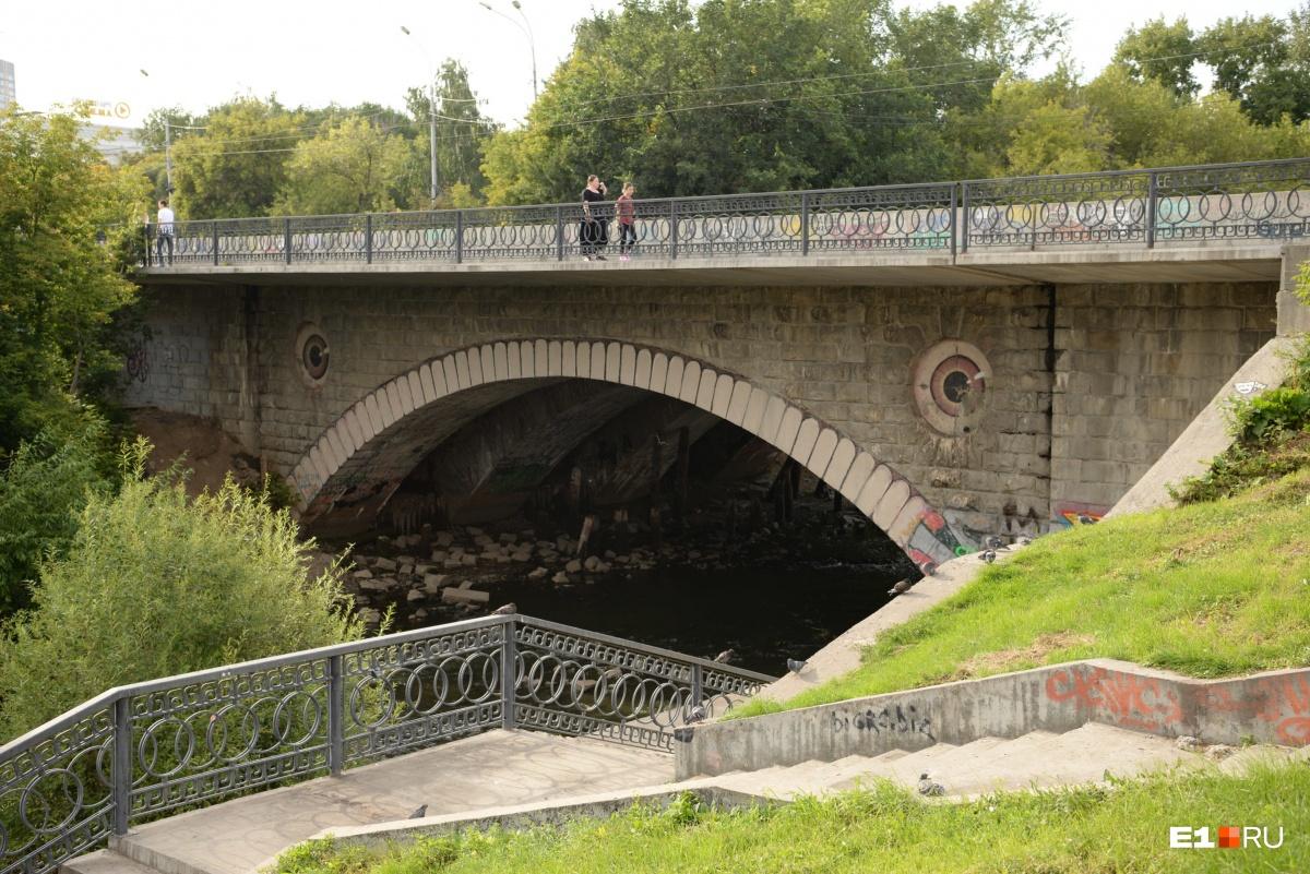 С момента строительства мост на Куйбышева не изменился