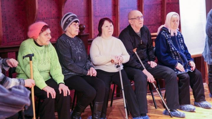 «Бабушки против мошенников»: в Архангельске открылись бесплатные курсы для пенсионеров