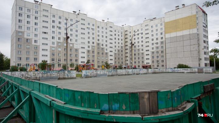 Маникюр в зале бокса, закрытая территория и соседство с очистными: как живут силовики Челябинска