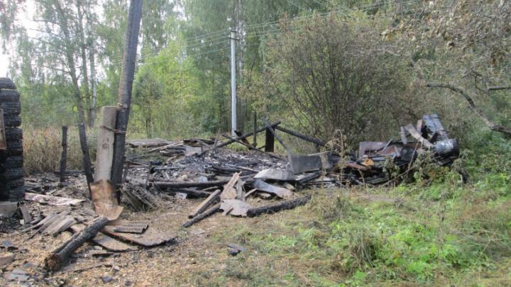 В Ярославской области женщина спалила сарайку и баню своей знакомой
