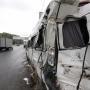 Врачи уточнили число пострадавших, которые остаются в больницах после ДТП с автобусом и мусоровозом