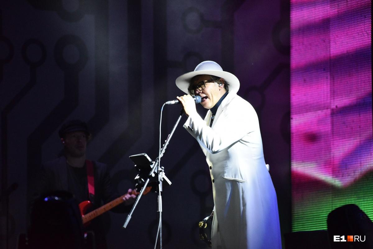 Илья Лагутенко спел хиты