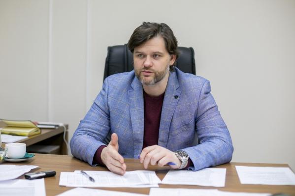 Илья Ильин — руководитель «Красноярской рециклинговой компании», которая отвечает за вывоз мусора на левом берегу в Красноярске