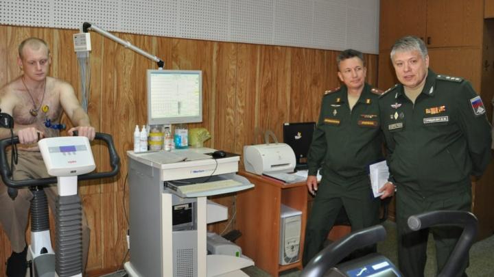 Главный медик Минобороны проверил навыки работы самарских военных врачей