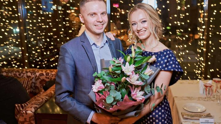 Влюбленные и сытые: сибирские пары нашли шикарный ресторан, где они проведут 14 февраля